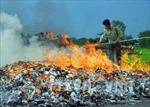 Yên Bái tiêu hủy hàng ngàn bao thuốc lá nhập lậu