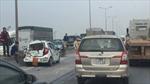 Cầu Thanh Trì ùn tắc do tai nạn giao thông liên hoàn