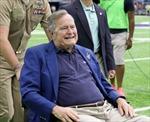 Cựu Tổng thống George W. Bush nhập viện vì khó thở