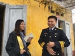 Đoàn phóng viên háo hức ra đảo Trần, đảo Trà Bản