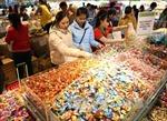 Thị trường Tết: Nơi sôi động, nơi trầm lắng
