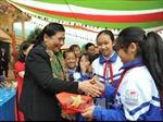 Đồng chí Tòng Thị Phóng thăm và chúc Tết tại Sơn La