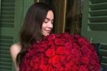 Hồ Ngọc Hà khoe hoa hồng hậu Valentine, Phạm Hương hóa thân thành công chúa
