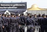 Cảnh sát Thái Lan đối đầu với thành viên giáo phái Dhammakaya