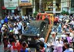 Đỗ xe lấn chiếm vỉa hè, hàng loạt xế hộp bị kéo về phường