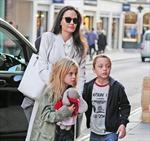 Angelina Jolie rạng rỡ 'như chưa hề có cuộc chia ly'