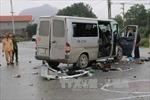 Xe tải đâm trực diện xe đám cưới, 17 người thương vong