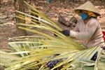 Đến 'thiên đường' chế biến lá buông nơi biên giới