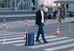 Vali thông minh tự chạy theo chủ như cún cưng trong sân bay