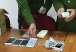 Thu giữ lô hàng iPhone đỏ trị giá hàng tỷ đồng nhập lậu từ Hàn Quốc