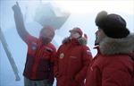 Ông Putin thăm Bắc Cực, tận tay khoan cắt băng