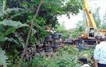 Xe container mất lái đâm vào nhà dân, 2 tài xế bị thương nặng