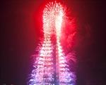 Giữa sóng gió, Lotte bắn pháo hoa rực rỡ khắp khách sạn 7 sao
