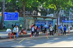 Hành khách lúng túng trong ngày đầu tiên dời trạm xe buýt Bến Thành