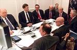 'Phòng họp chiến sự' của ông Trump bất ngờ xuất hiện nhiều chiếc hộp bí ẩn