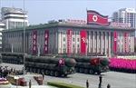 Triều Tiên diễu binh rầm rộ, phô trương dàn vũ khí
