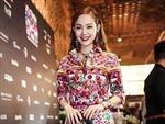 Minh Hằng diện 'nguyên cây' hàng hiệu trong đêm khai mạc tuần lễ thời trang quốc tế