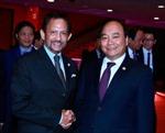 Thủ tướng Nguyễn Xuân Phúc gặp Quốc vương Brunei