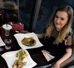 Nữ sinh Mỹ kiếm hàng ngàn USD nhờ hẹn hò không sex