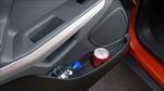 Những vật 'cấm kỵ' để trong ô tô ngày nắng nóng