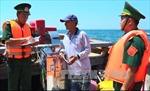 Tuyên truyền, phổ biến pháp luật cho ngư dân vùng biển đảo