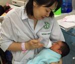 200 trẻ ra đời nhờ thụ tinh ống nghiệm tại BV Bạch Mai