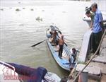 Thi thể một người đàn ông tấp vào du thuyền trên sông Sài Gòn