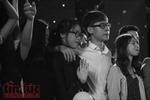 Sinh viên báo chí hát, diễn kịch phút chia tay