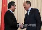 Ngoại trưởng Nga và Trung Quốc thảo luận các vấn đề nóng