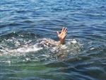 Đi tắm sông một học sinh tiểu học mất tích trên hồ thủy điện
