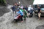 Hàng ngàn mét khối bùn đất chờ ụp xuống, quốc lộ 12 đối mặt nguy cơ tê liệt