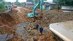 Lai Châu di dời khẩn cấp 5 hộ dân do xuất hiện hố cát-tơ 600m2