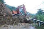 Điện Biên: Sạt lở 700 khối đất đá trên QL4H, giao thông tắc nghẽn