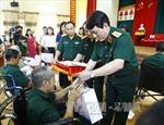 Thượng tướng Lương Cường tặng quà Trung tâm Điều dưỡng người có công tỉnh Phú Thọ