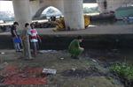 Đang câu cá bất ngờ phát hiện thi thể nổi trên sông Sài Gòn