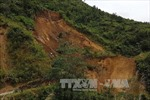 Lai Châu: Sạt lớn trên quốc lộ 4H, chia cắt giao thông huyện biên giới Mường Tè