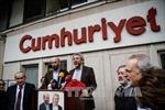 Thổ Nhĩ Kỳ xét xử 17 nhân viên tòa soạn báo tình nghi liên quan khủng bố