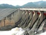 12 giờ ngày 26/7, Thủy điện Hòa Bình đóng 1 cửa xả đáy