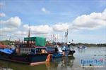 Khắc phục tình trạng đường dây điện 'sà' xuống sông Kinh Giang, Quảng Ngãi