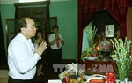 Thủ tướng Nguyễn Xuân Phúc dâng hương tưởng nhớ Bác Hồ tại Khu di tích K9