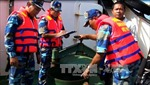 Tàu Tradewin Ocean và Mỹ Hưng 09 sang mạn xăng dầu trái phép