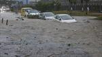 Nhà cửa bị thổi bay tan tác, ô tô trôi lềnh bềnh trong bão Hato