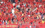 SEA Games 29: Đông đảo người hâm mộ cổ vũ U22 Việt Nam trong trận đấu quyết định