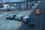 Nhân viên vệ sinh trong sân bay Nội Bài bị xe đầu kéo đâm tử vong