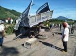 Bình Định: Xe tải va chạm với tàu hỏa, một người bị thương nặng