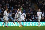 """Sau nửa mùa giải, Swansea mới được hưởng """"vị ngọt"""" sân khách"""