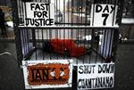 Biểu tình đòi Mỹ đóng cửa nhà tù Guantanamo