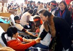Lễ hội Xuân hồng 2012: Ngày hội của những tấm lòng nhân ái