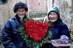 """Người già Trung Quốc cũng """"yêu"""" lễ Tình yêu"""