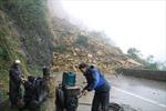 Khắc phục sự cố lở núi trên QL 6